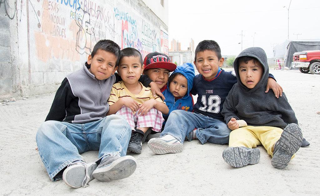 Cuáles son los 6 indicadores principales de pobreza extrema