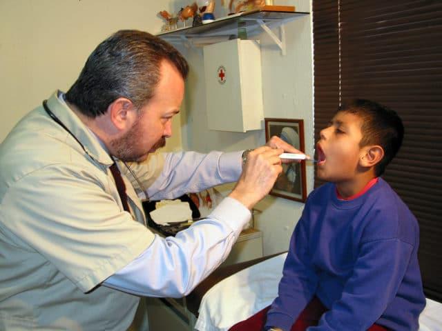 Dispensarios médicos: alivio para los desamparados
