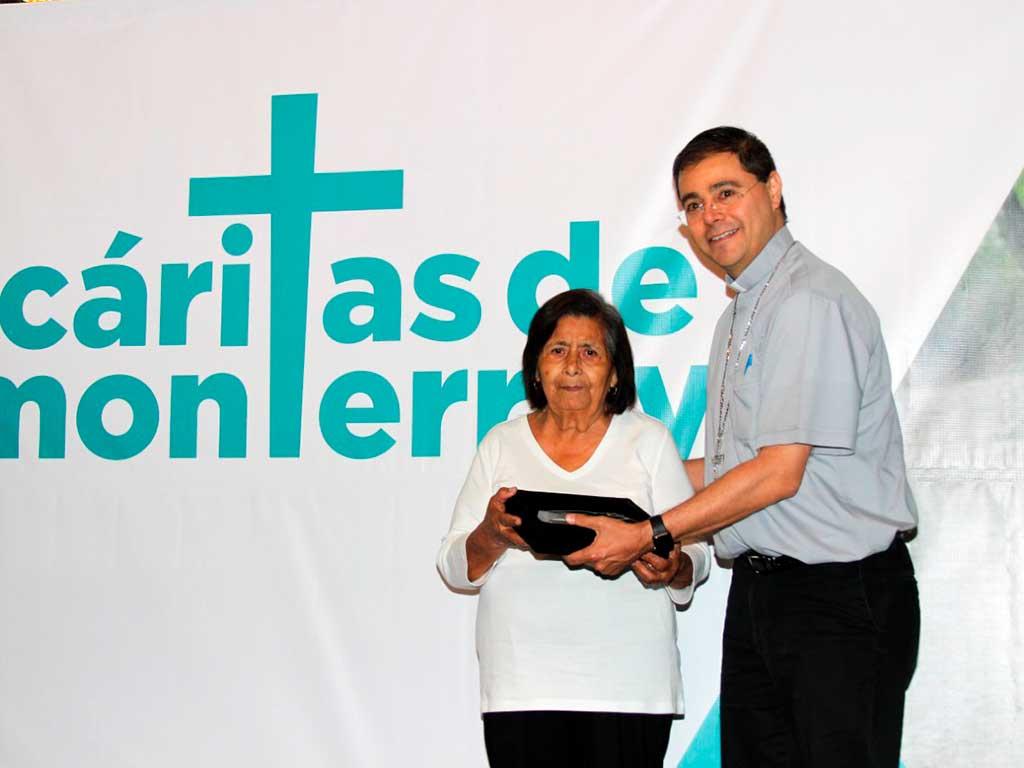 voluntaria-del-ano-caritas-aurora-yado