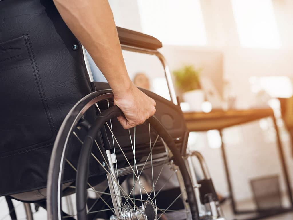 ayudar-a-personas-con-discapacidad