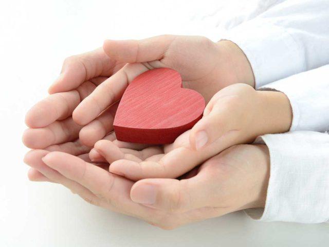 Acciones con las que puede ayudar la familia en la sociedad