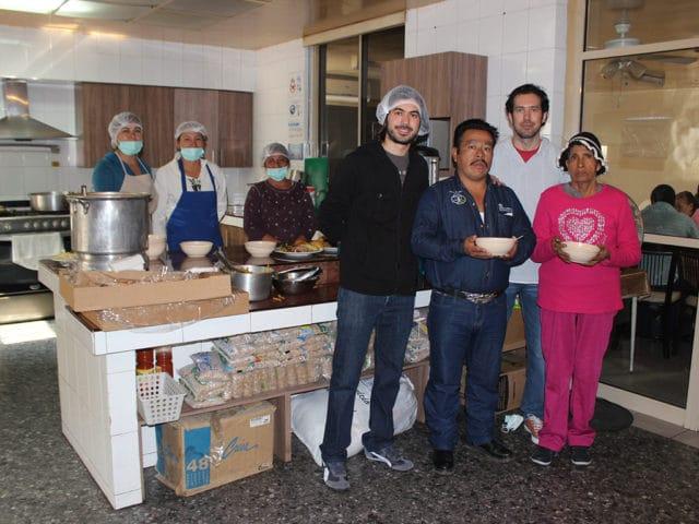 Dar de comer al hambriento: acción de bien común que enaltece