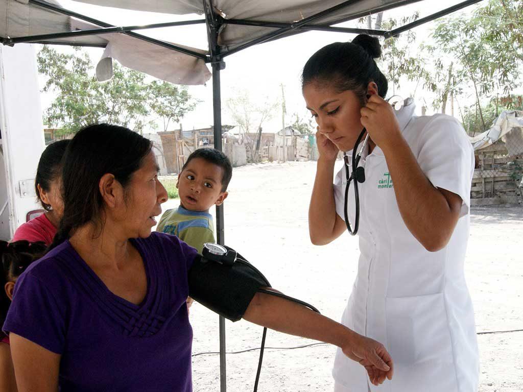 Cualidades de una enfermera que nos impulsan a cuidar al prójimo