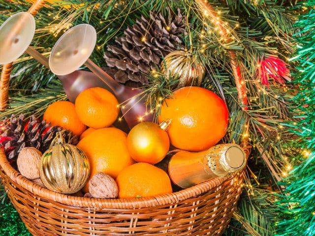 Mejora la vida de los más necesitados con despensas navideñas