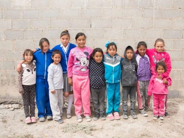 Descubre cómo ayudamos a niños de escasos recursos